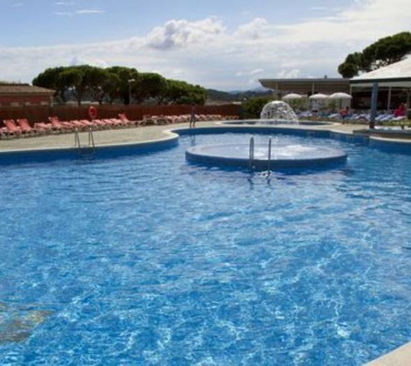 Outdoor swimming pool alegria bolero apartments  lloret de mar