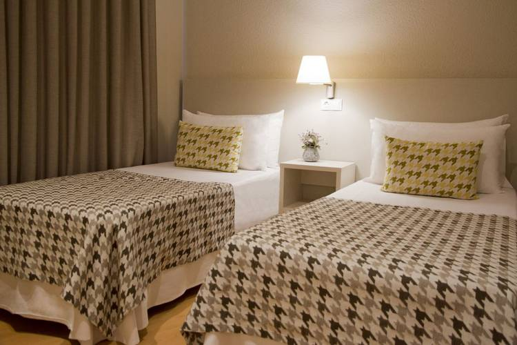 Quadruple room ALEGRIA Plaza Paris  Lloret de mar