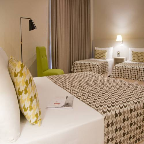 Family room alegria plaza paris  lloret de mar