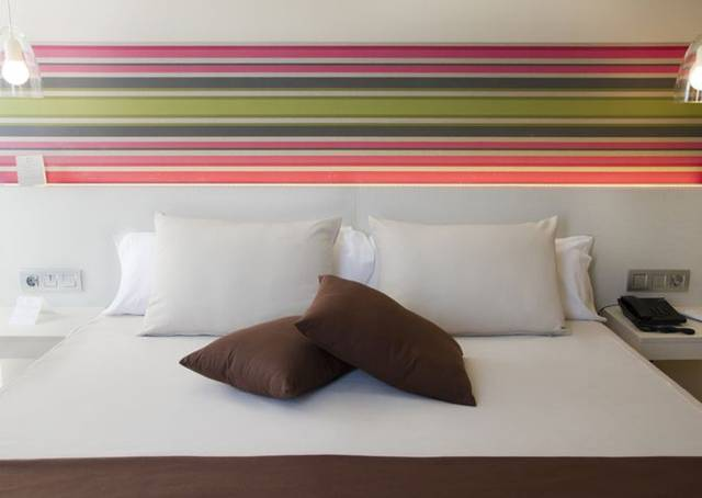 SUPERIOR ROOMS ALEGRIA Plaza Paris  Lloret de mar