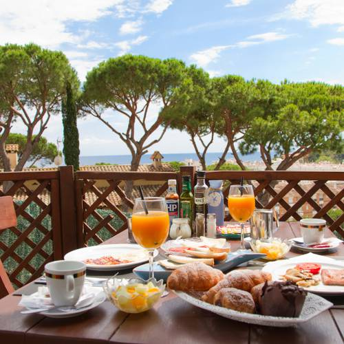 Breakfast alegria bolero apartments  lloret de mar