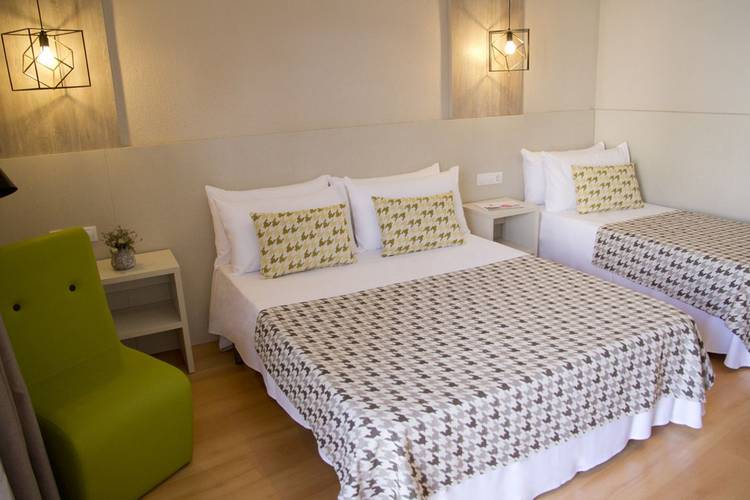 Triple room ALEGRIA Plaza Paris  Lloret de mar